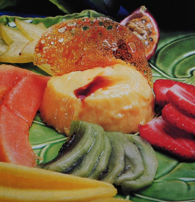 Mousse de baunilha e frutos