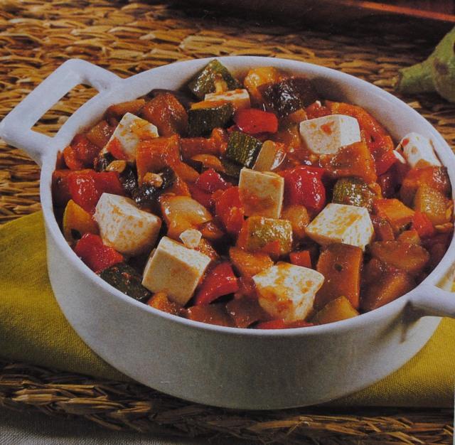 Guisado de legumes com tofu